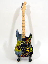Mini guitar  Iron Maiden